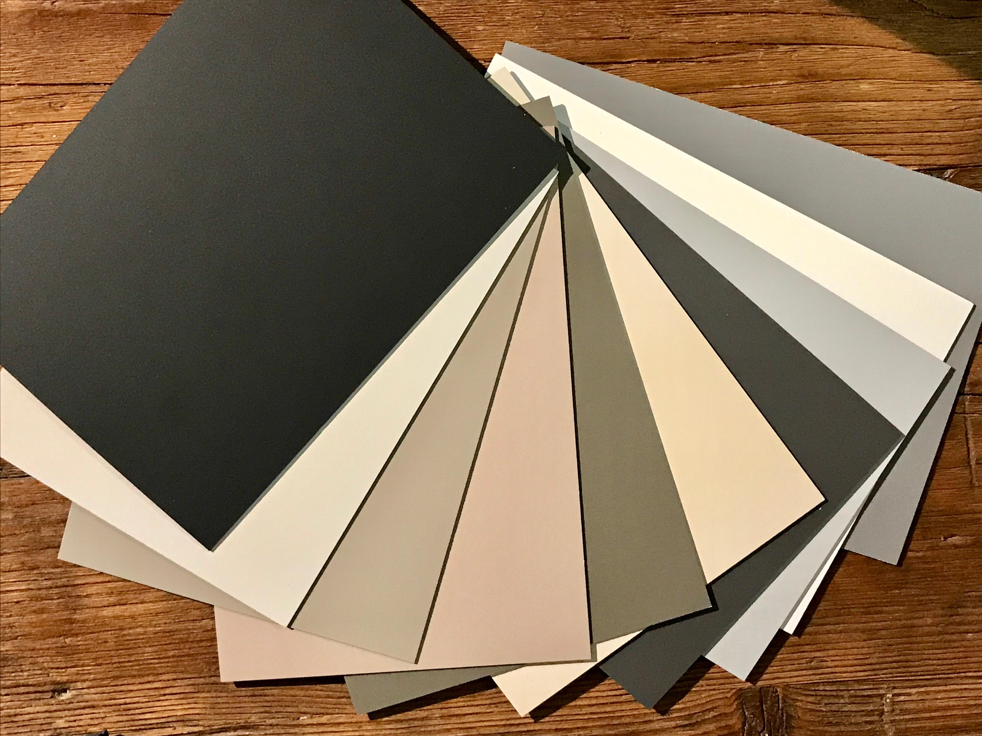 Scrivanie da ufficio scegli materiali colori e design for Portapenne ufficio design